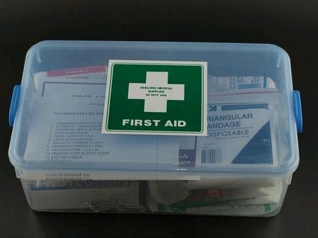 GMS001  LUNCH BOX FIRST AID KIT